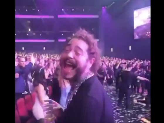 Post Malone Singing And Dancing To Shania Twain At The AMAs Will Brighten Your Monday