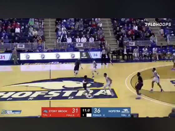 Stony Brook covers 1H +2.5 on this buzzer beater three