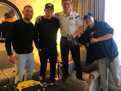 Spittin' Chiclets Episode 226: Featuring Nello Ferrara, Two Week Bachelor Parties, Dallas Stars, Gambling Corner & A Ton More