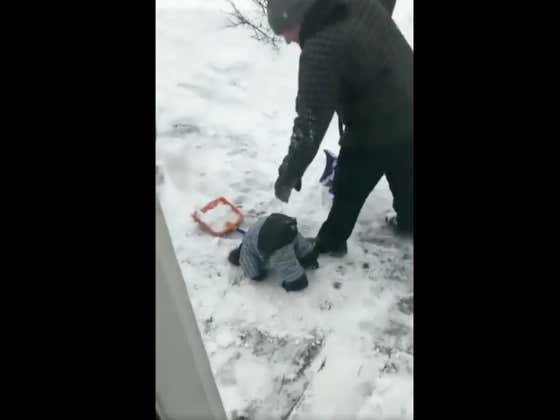 This Little Kid Running Out Of Batteries While Shoveling Snow Is Laugh Out Loud Funny