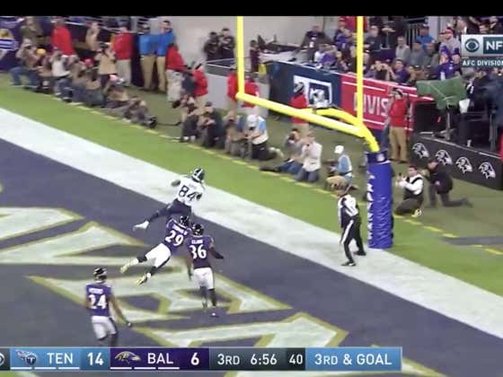 Derrick Henry with the jump pass to Corey Davis and just like that the Titans (+400 ML) lead 21-6.