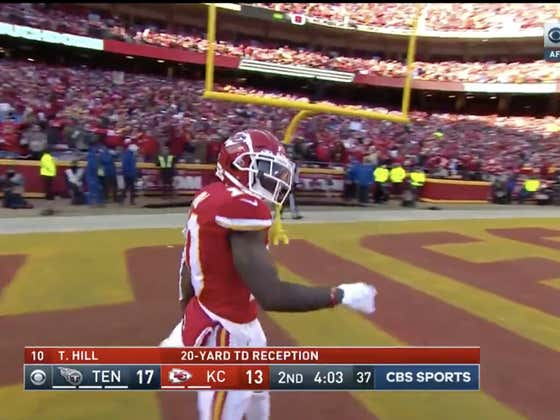 Tyreek Hill with his second score of the day to hit the 1H over (24.5)   Titans lead 17-14.